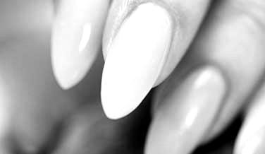 Akril tehnike - ugradnja noktiju